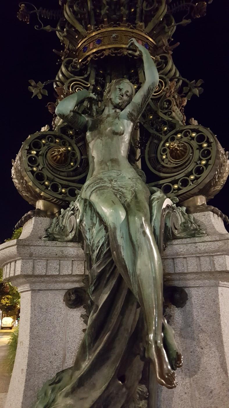 Place Marie Sans Chemise - Amiens la nuit