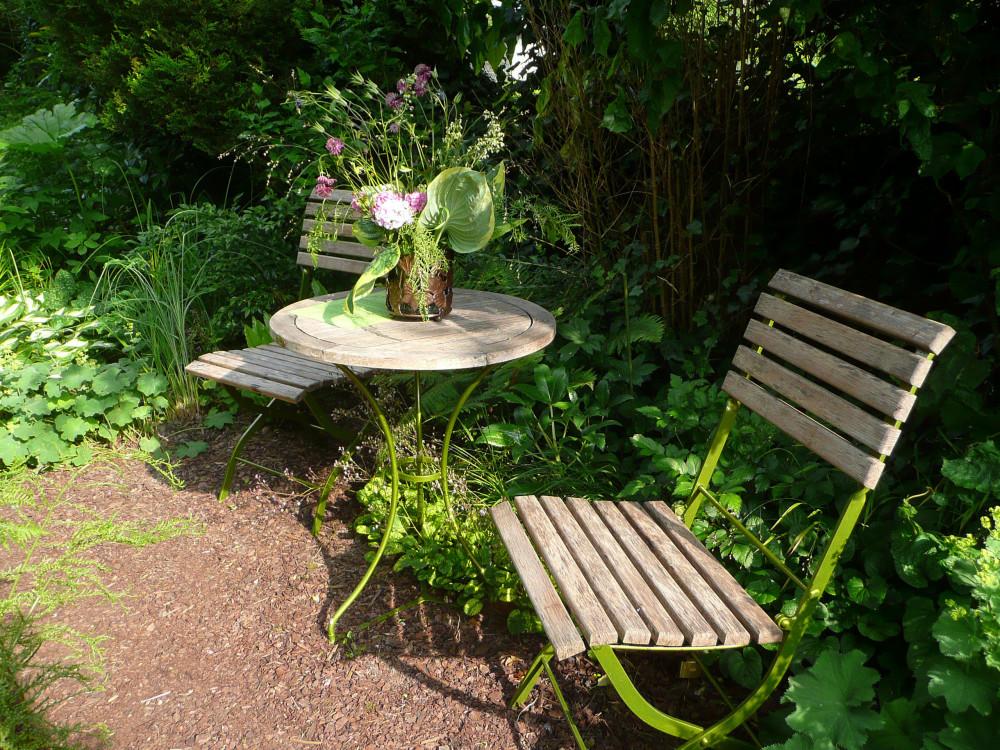 Pause fraîcheur dans le jardin de Dan à Halloy les Pernois