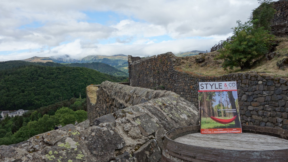 STYLE&CO remonte le temps au Château de Murol en Auvergne...