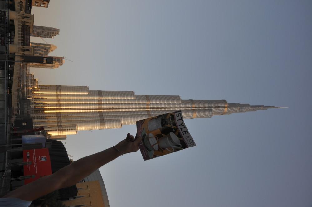 Au petit matin, même au pied de la plus haute tour du monde, STYLE & CO est à la hauteur !
