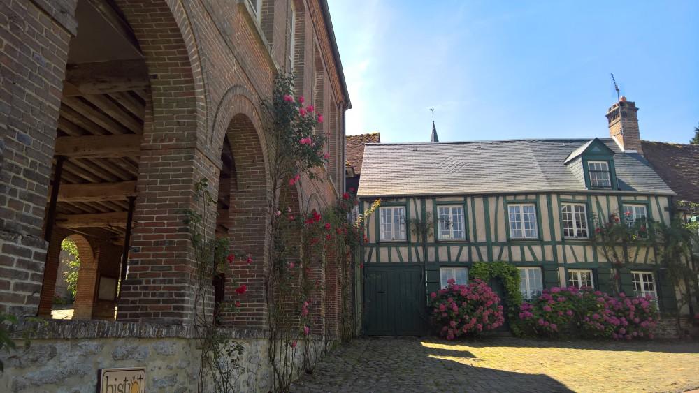 Parmi les plus beaux villages de France, celui de Gerberoy se trouve dans notre magnifique région.