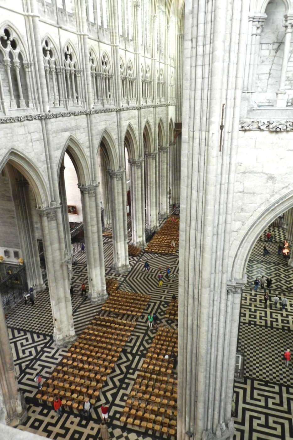 cathedrale d'amiens et ses colonnes